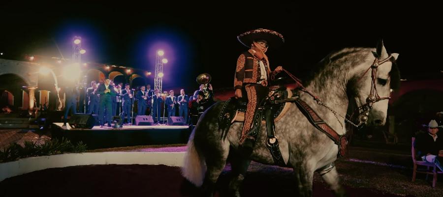 """Gutty Quezada presenta """"El Niño de Los Caballos"""""""