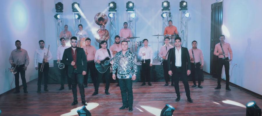 Banda Selectiva de Ángel Romero rinde homenaje a las mamás